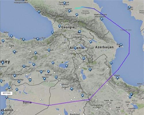 Đường màu tím mô phỏng hướng bay của các chiến đấu cơ Nga trên biển Caspian trước khi tới Syria.