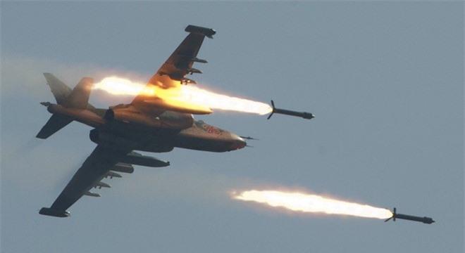 Không quân Nga và Syria dội bão lửa lên đầu IS và các tổ chức khủng bố.
